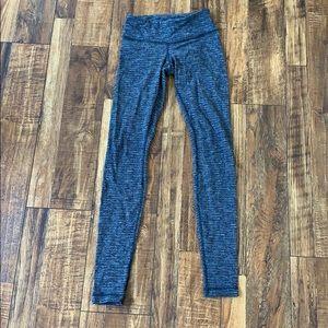 Herringbone style grey and black leggings 4